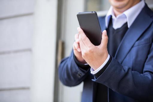 【速報】 自治体 「LINEで顔写真、免許証、身分証明書を送るのをやめろ!」 LINEサービス停止始まる