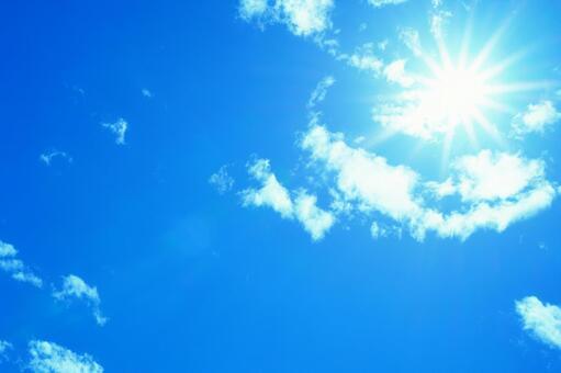 太陽エネルギーを18年間保存できる液体が開発される 常温で保存可能で繰り返し使える