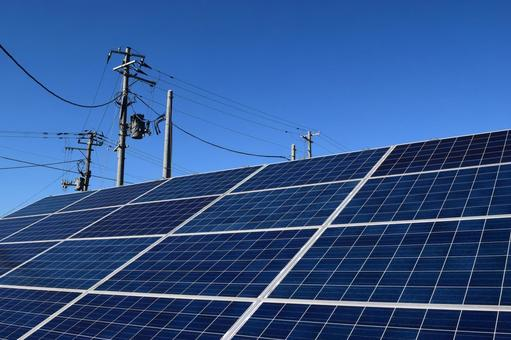 【小泉環境相】住宅への太陽光パネル設置義務化「視野に入れて考えるべき」
