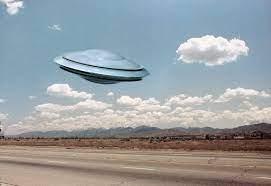 【UFO】「UFOが毎日現れる」と米海軍パイロットらが証言、上院が調査