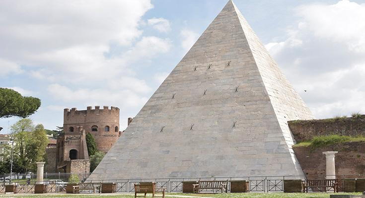 【ナゾロジー】ピラミッド建設の謎を「ミニチュア版の再現」で解明しようとした男性