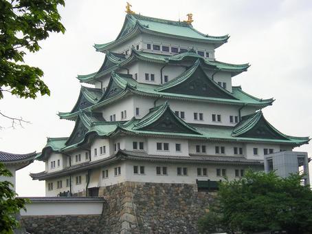 なんで名古屋って観光客のこないつまらない街になってしまったの?