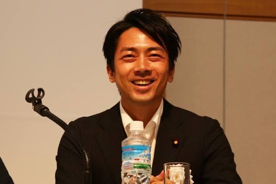 小泉進次郎「野球部員だった私は水筒を使っていたけど、環境配慮の観点で水筒を使っていなかった」