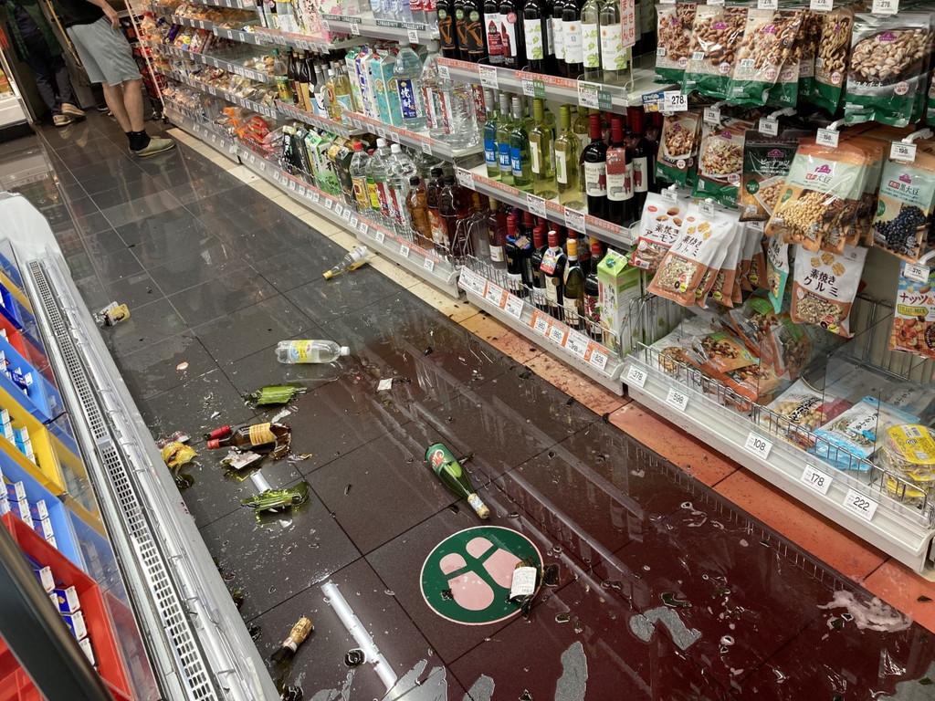 【首都地震】深夜に大きな揺れ スーパーで商品落下 東京